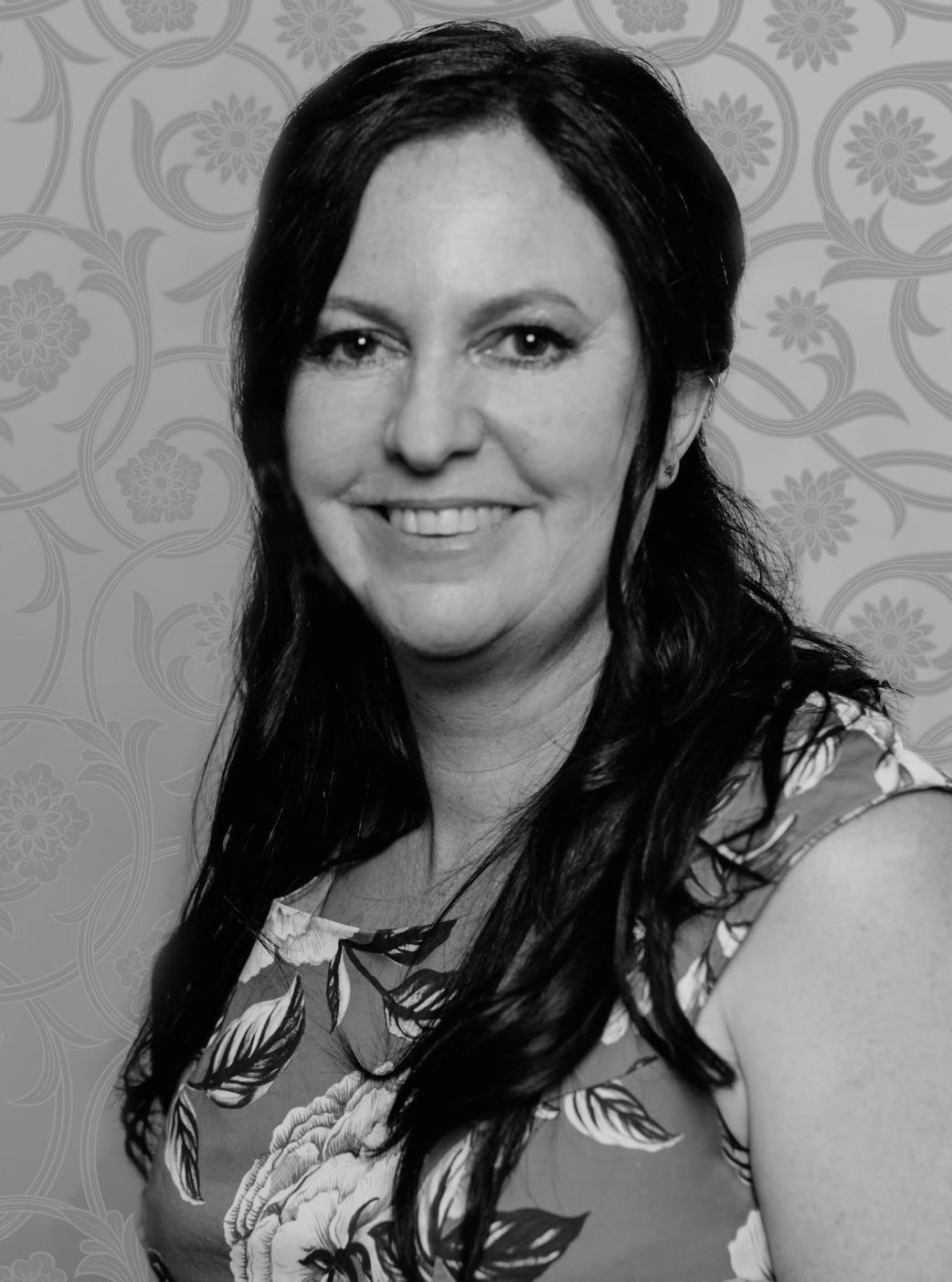 Belinda  Stott